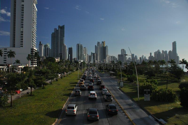Ciudad de Panamá con los altos rascacielos y puerto en la Costa del Pacífico fotos de archivo libres de regalías