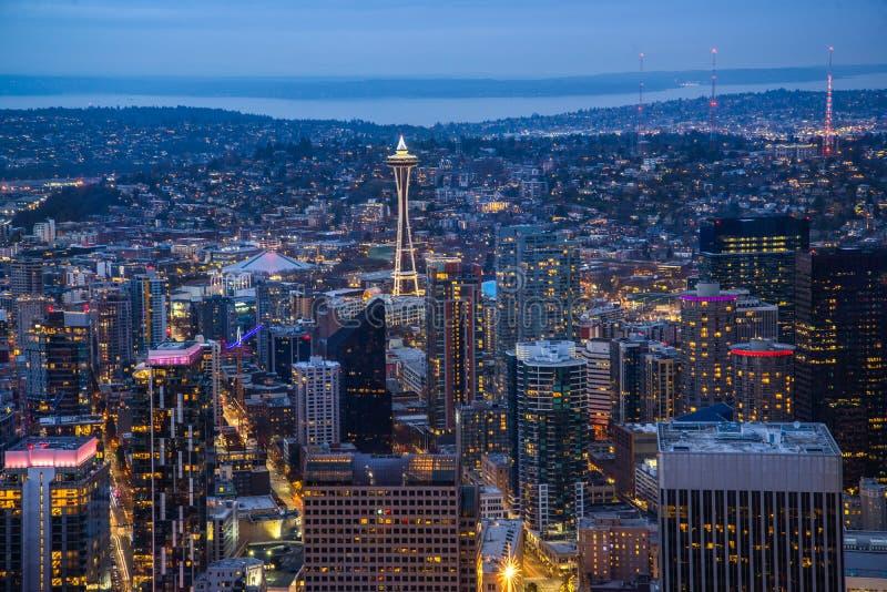 Ciudad de Seattle en la noche imagen de archivo libre de regalías