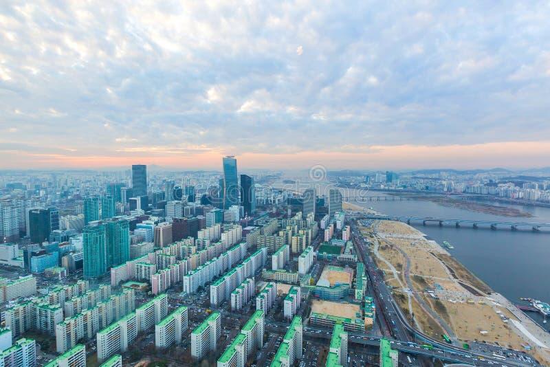 Ciudad de Seul en la puesta del sol fotografía de archivo libre de regalías