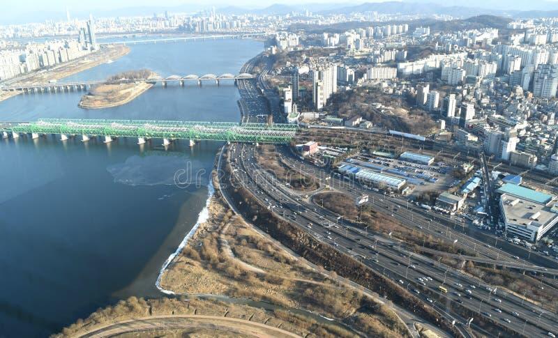 Ciudad de Seul a partir del 63 que construyen imagenes de archivo