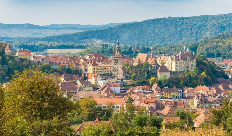 Ciudad de Sighisoara de Transilvania, del aire fotos de archivo libres de regalías