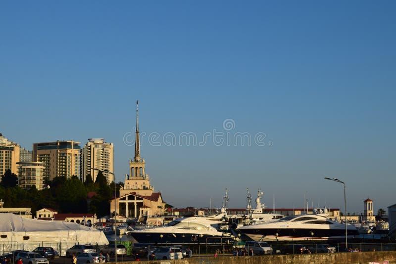 Ciudad de Sochi, Rusia Faro, puerto foto de archivo
