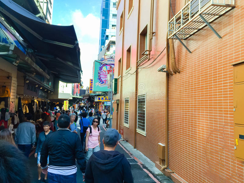 Ciudad de Taipei, Taiwán - 22 de noviembre de 2016: Ximending es la fuente fotos de archivo