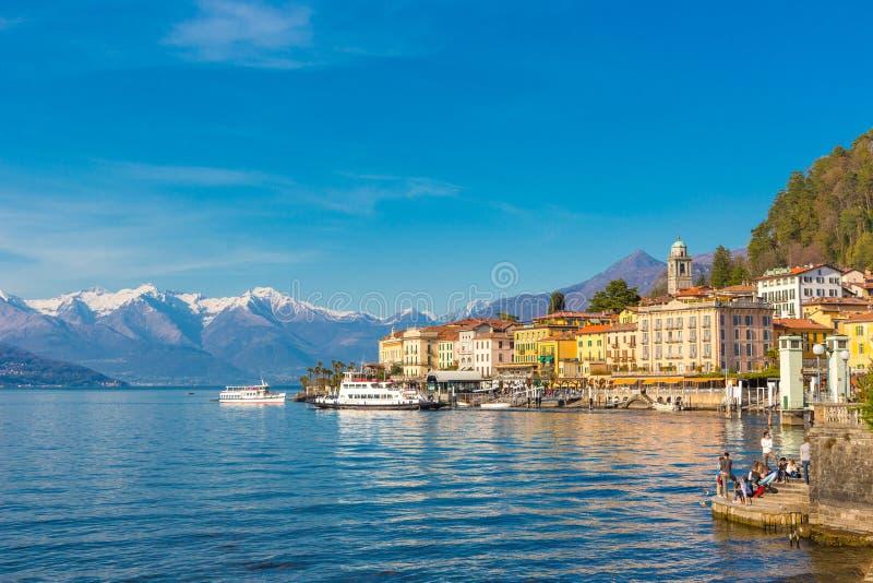 Ciudad de vacaciones de Bellagio en el lago Como, Lombardía, Italia imagen de archivo libre de regalías