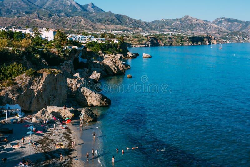 Ciudad de vacaciones de Nerja en España Visión desde Balcon de fotos de archivo libres de regalías