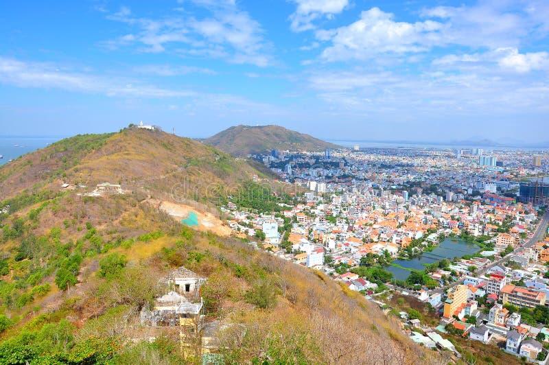 Ciudad de Vung Tau de la montaña imagen de archivo