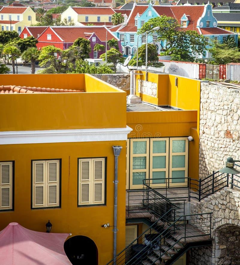 Ciudad de Willemstad en Curaçao imagenes de archivo