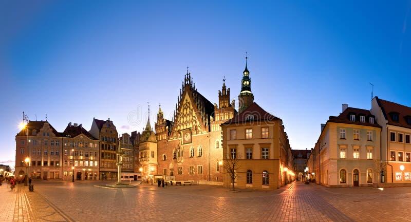 Ciudad de Wroclaw en Polonia, la imagen panorámica o ayuntamiento imagenes de archivo