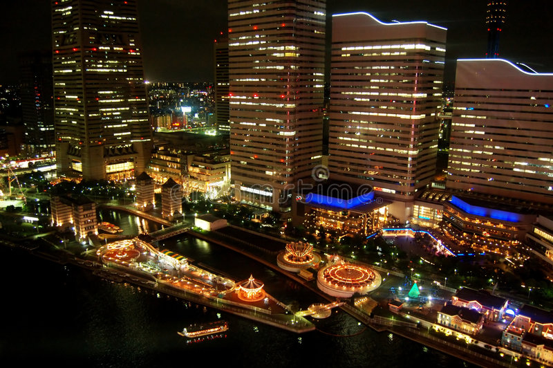 Ciudad de Yokohama en la noche imagen de archivo