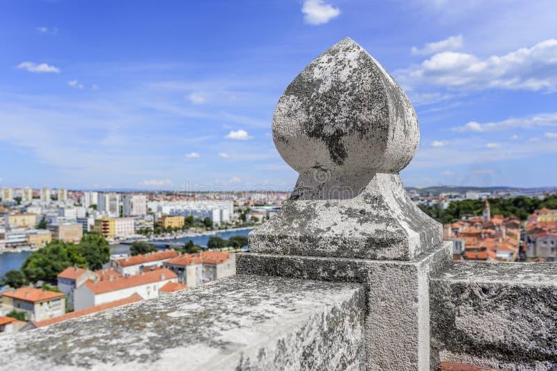 Ciudad de Zadar de la torre dalmatia Croacia imágenes de archivo libres de regalías