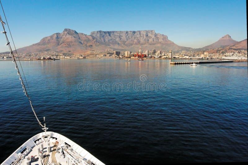 Ciudad del Cabo con la montaña del vector fotos de archivo