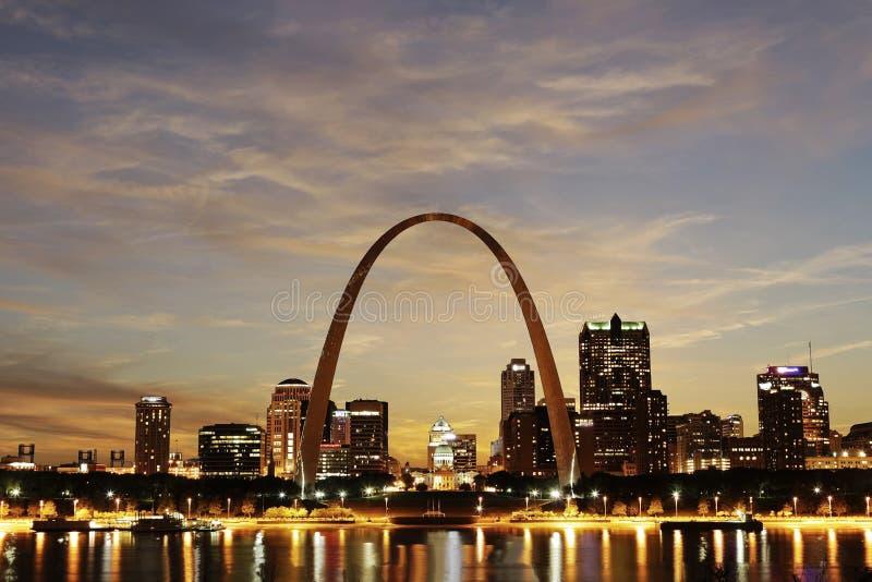 Ciudad del horizonte de St. Louis, Missouri fotografía de archivo libre de regalías