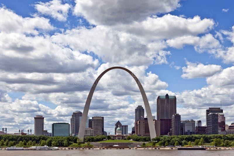 Ciudad del horizonte de St. Louis, Missouri fotos de archivo