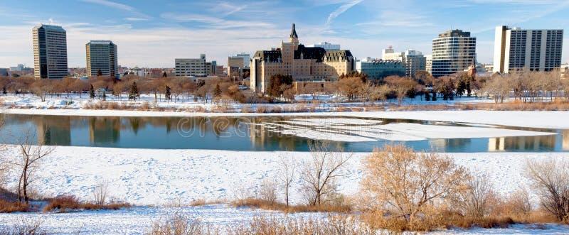 Ciudad del invierno de Saskatoon panorámica fotos de archivo libres de regalías