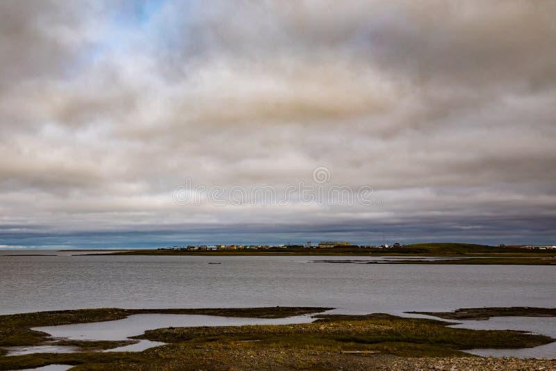 Ciudad del mar de Beaufort, Tuktoyaktuk NWT Canadá imagenes de archivo