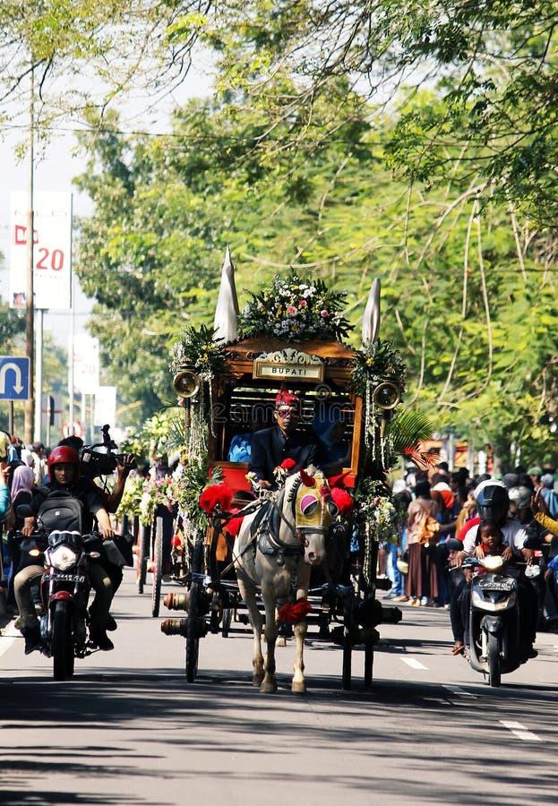 Ciudad del nganjuk de la cultura del carnaval del aniversario de los funcionamientos, Jav del este imagen de archivo libre de regalías
