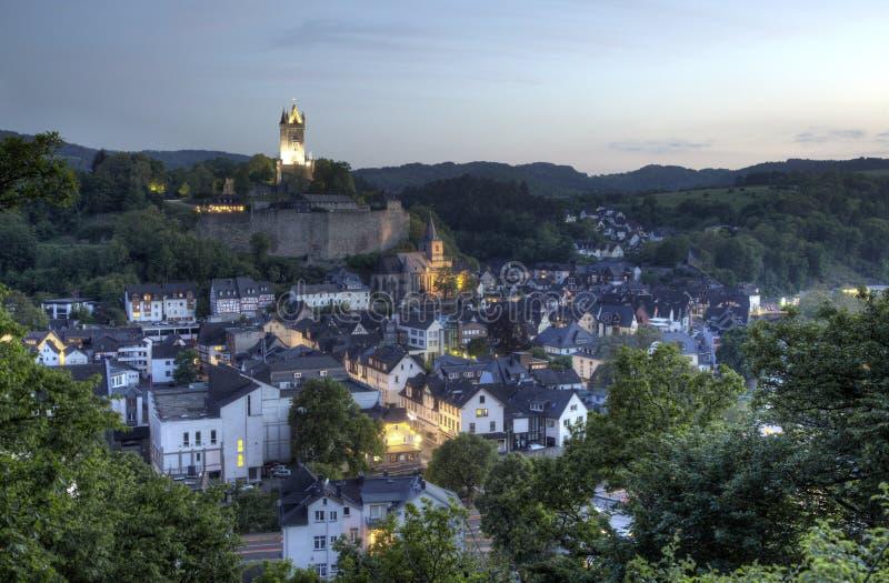 Ciudad Dillenburg en la oscuridad alemania fotografía de archivo libre de regalías