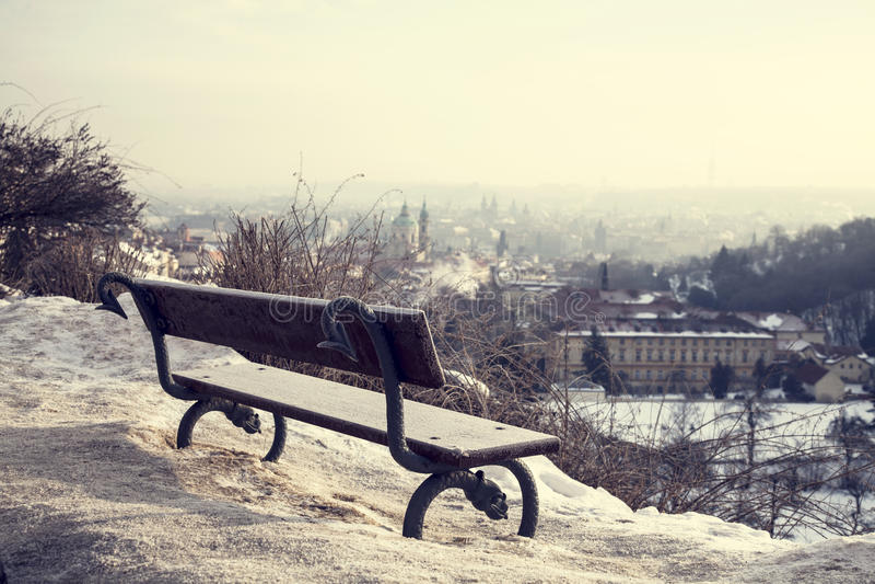 Ciudad en el invierno - Praga,   fotos de archivo libres de regalías
