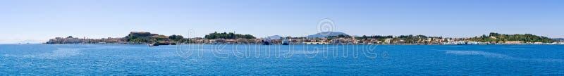 Ciudad en la visión panorámica, Grecia de Corfú foto de archivo