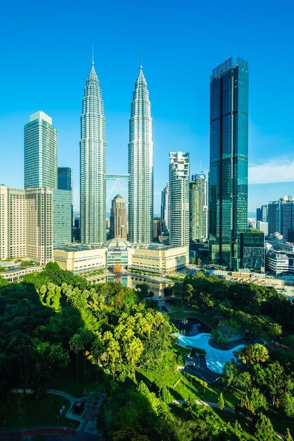 Ciudad exterior del edificio hermoso de la arquitectura en el horizonte de Kuala Lumpur foto de archivo libre de regalías
