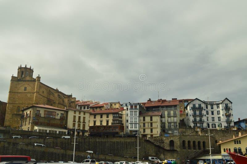 Ciudad fortificada hermosa de la captura de Getaria tomada de su puerto hermoso Viaje de las Edades Medias de la arquitectura foto de archivo libre de regalías