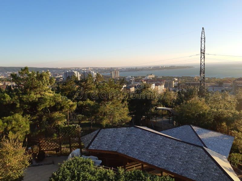 Ciudad Gelendzhik de la tarde foto de archivo