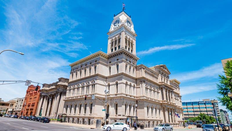 Ciudad Hall Building - LOUISVILLE de Louisville LOS E.E.U.U. - 14 DE JUNIO DE 2019 imagen de archivo