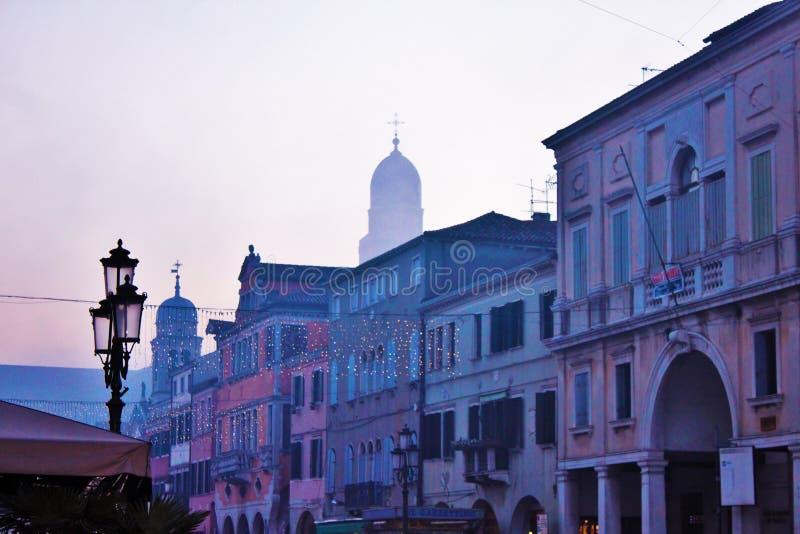 Ciudad hermosa de Chioggia en Véneto, también descubrir cómo la pequeña Venecia foto de archivo