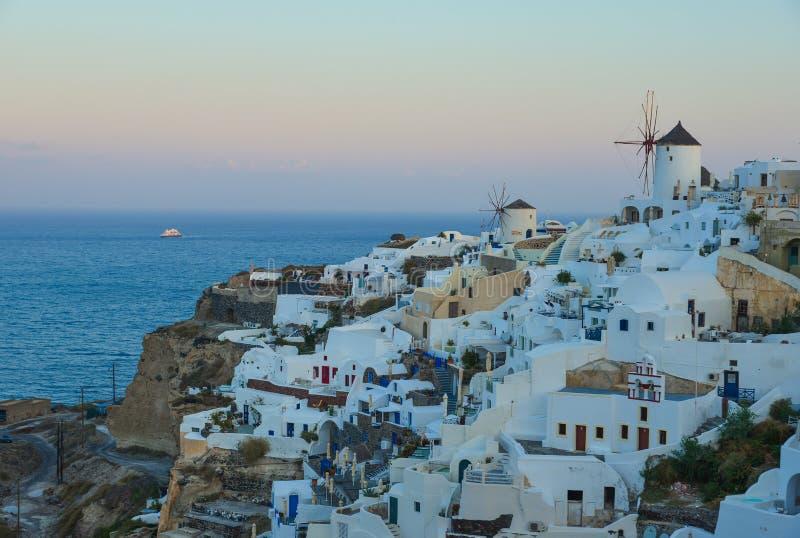 Ciudad hermosa de la isla de Santorini, Grecia foto de archivo