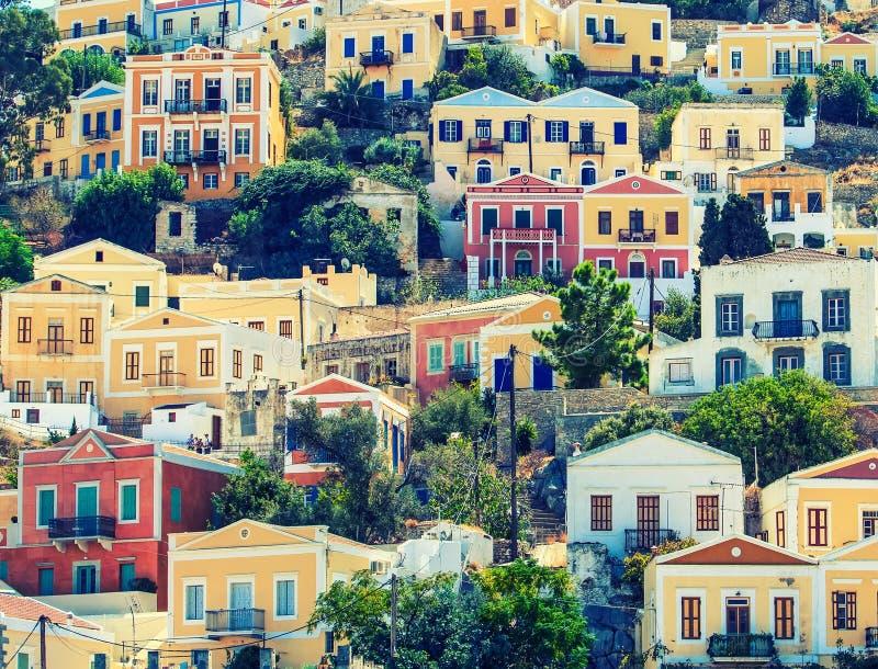 Ciudad hermosa de Symi en las islas del Griego del archipiélago fotografía de archivo libre de regalías