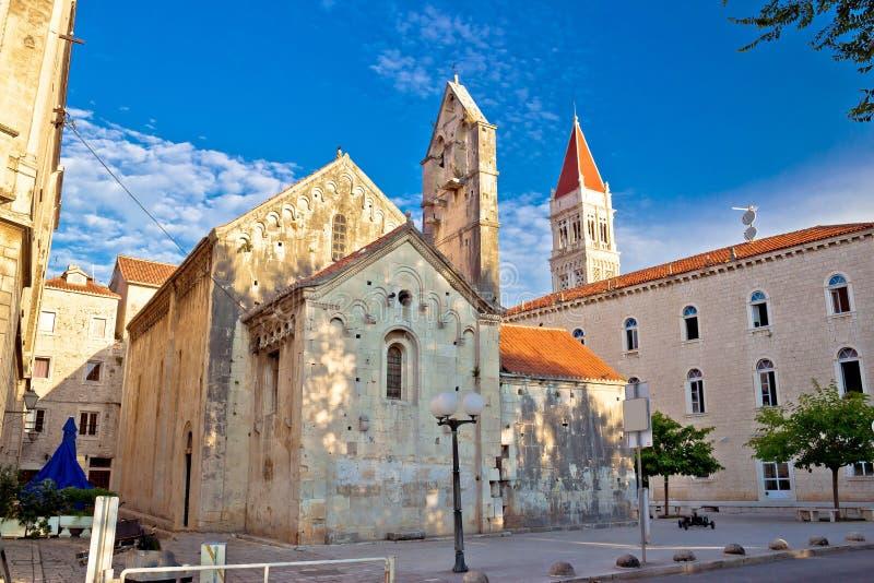 Ciudad histórica de la UNESCO del cuadrado de Trogir fotos de archivo