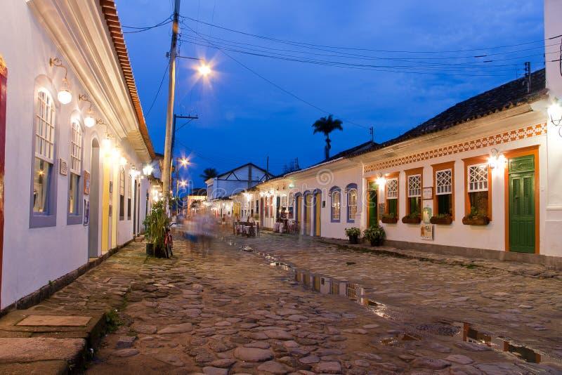 Ciudad histórica de Paraty en la noche imágenes de archivo libres de regalías