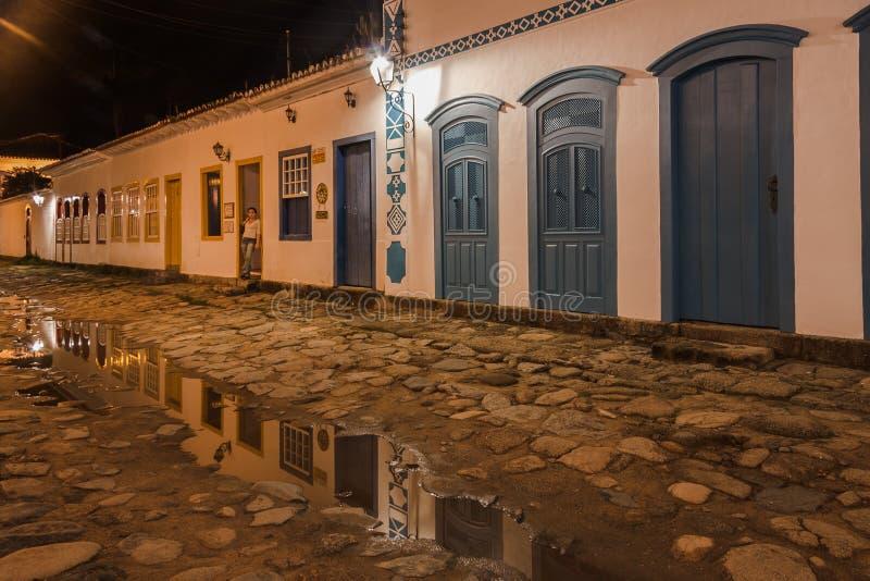 Ciudad histórica de Paraty en la noche fotos de archivo libres de regalías