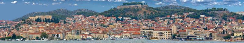 Ciudad Histórica Del Panorama De Sibenik Fotos de archivo libres de regalías
