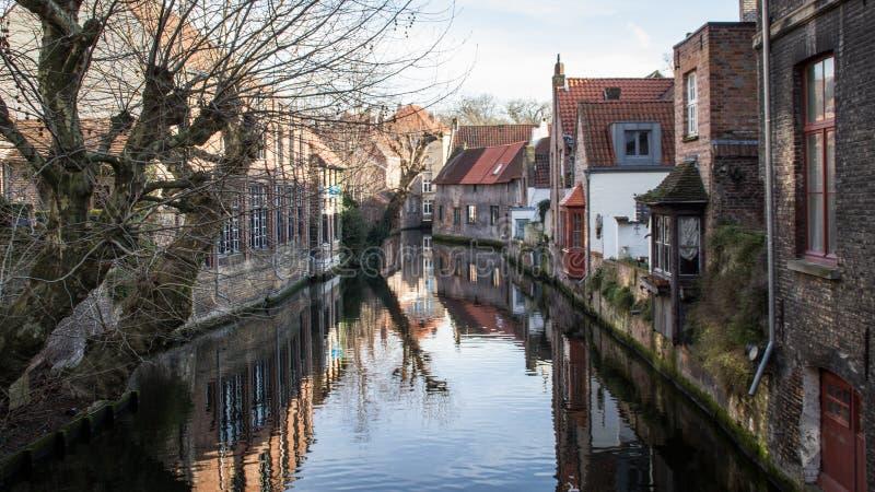 Ciudad histórica medieval Brujas del destino turístico popular en Flandes Occidental en la región flamenca de Bélgica Calles de B fotos de archivo libres de regalías