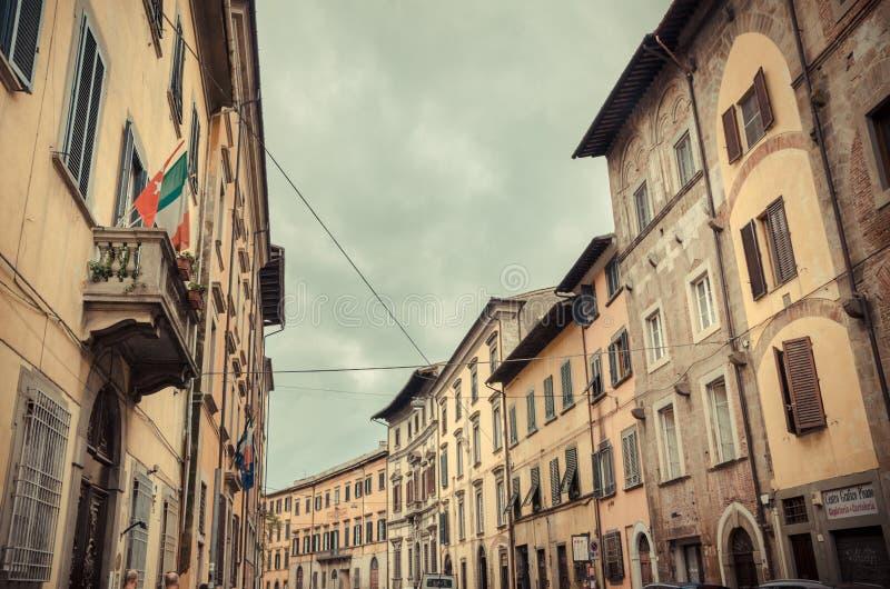 Ciudad italiana medieval - Pisa, Italia fotos de archivo