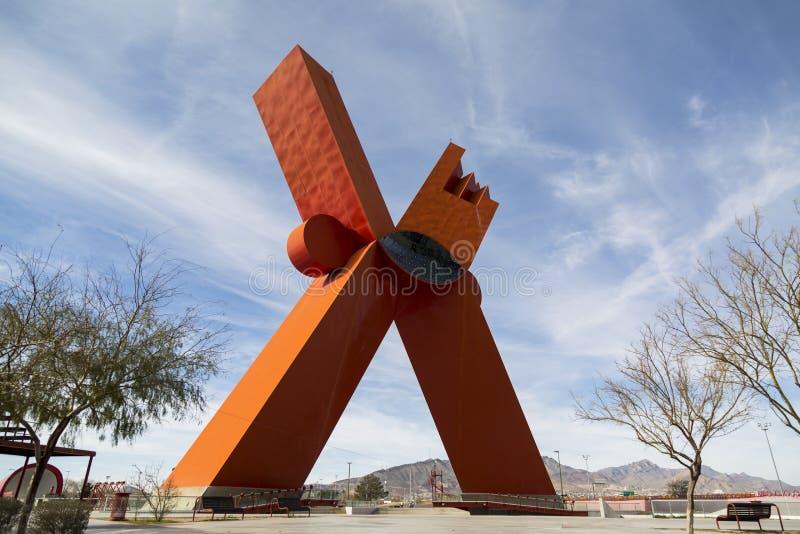 CIUDAD JUAREZ-CHIHUAHUA-MEXICO-MARCH-2019:纪念碑是大约62米高并且称800吨 库存照片