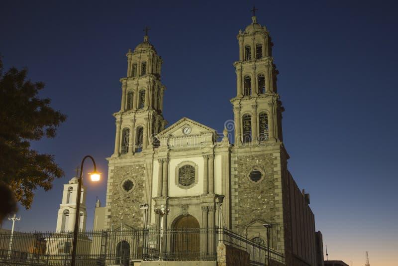 CIUDAD JUAREZ-CHIHUAHUA-MEXICO-OCTUBER-2013:Собор этого города предназначен к девственнице Guadalupe, стоковые фотографии rf