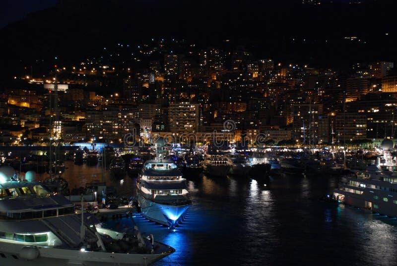 Ciudad Mónaco de la noche imagen de archivo libre de regalías