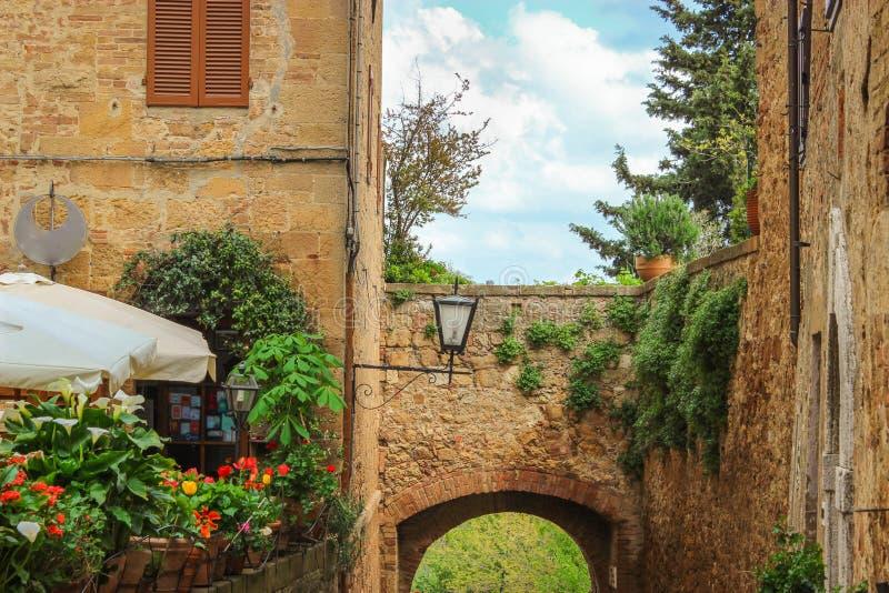 Ciudad medieval italiana foto de archivo libre de regalías