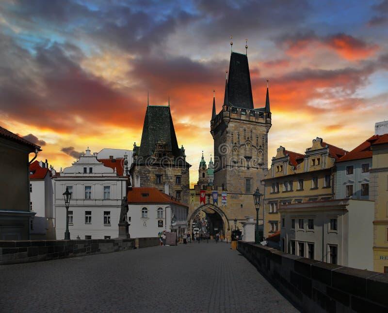 Ciudad misteriosa Praga fotos de archivo