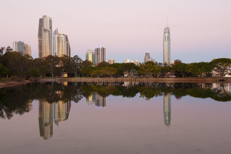 Ciudad moderna australiana por la tarde fotografía de archivo