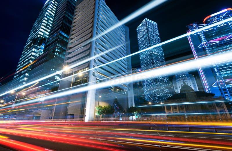 Ciudad moderna en la noche foto de archivo libre de regalías
