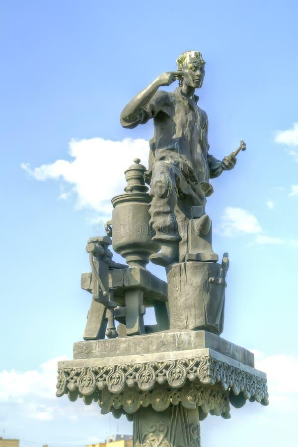 Ciudad Oryol Esculturas de los personajes del escritor Nikolai Lesko imágenes de archivo libres de regalías