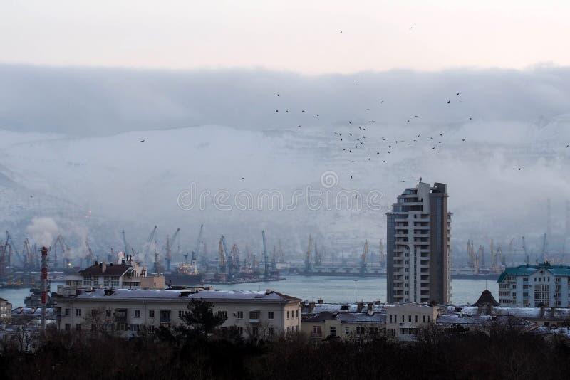 Ciudad por la mañana imagen de archivo libre de regalías