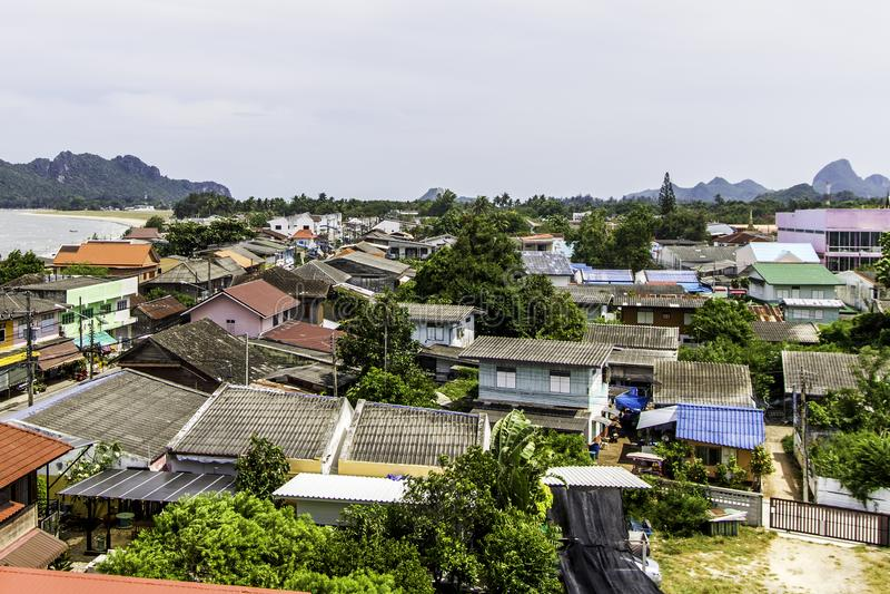 Ciudad preferida de Prachuap Khiri Khan, Tailandia para el viaje en la playa, el mar, el hotel y el centro turístico hermosos de  fotos de archivo libres de regalías