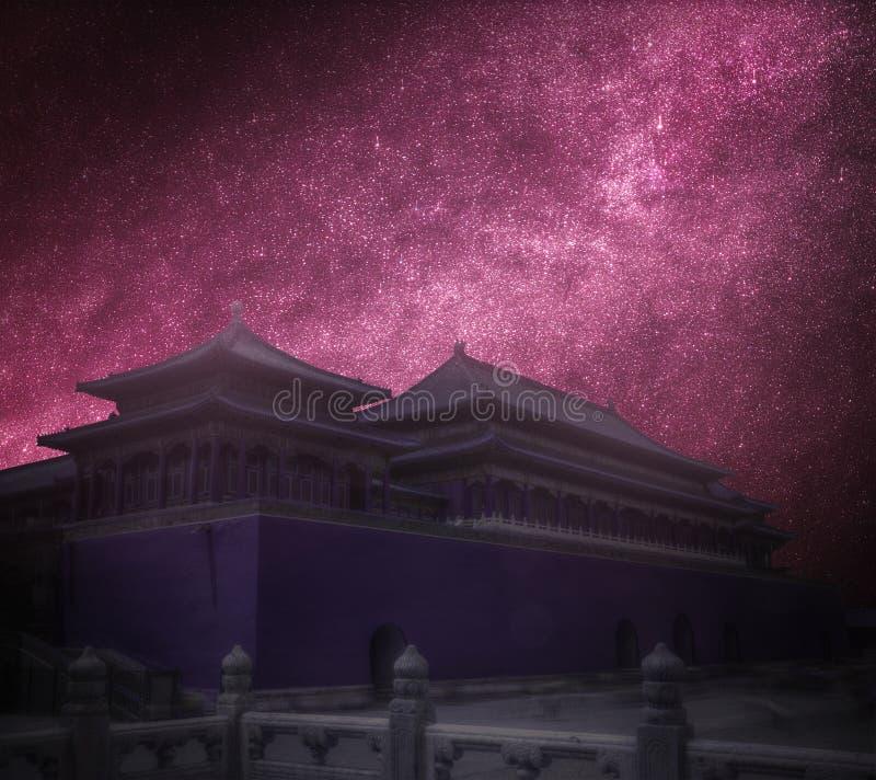 Ciudad prohibida Fotografía astronómica cielo estrellado de la noche imágenes de archivo libres de regalías