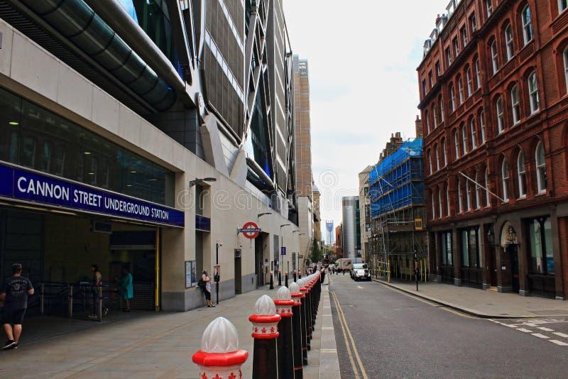Ciudad Reino Unido de la calle del cañón de Londres imágenes de archivo libres de regalías