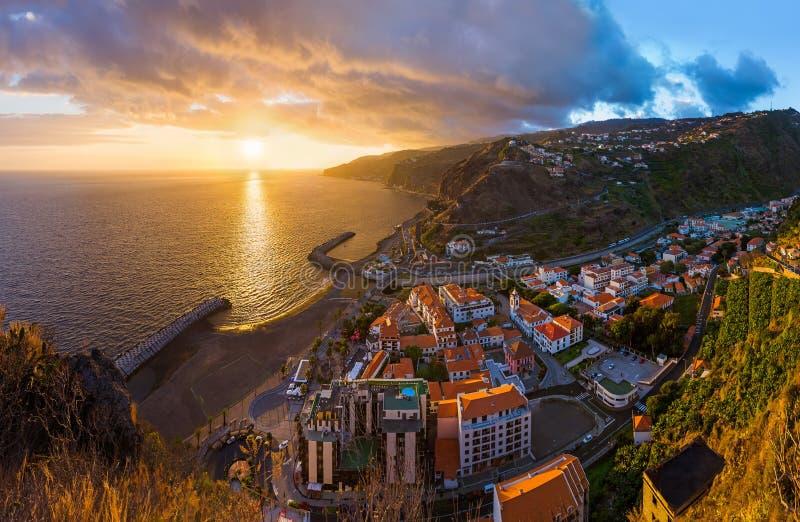 Ciudad Ribeira Brava - Madeira Portugal fotos de archivo
