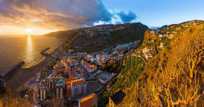 Ciudad Ribeira Brava - Madeira Portugal fotografía de archivo